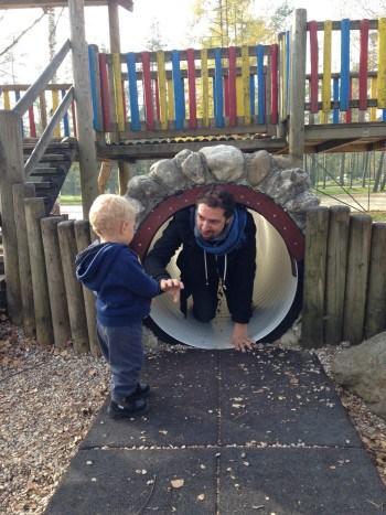 Tunel je ena zabavnejših igral, tudi za starše.