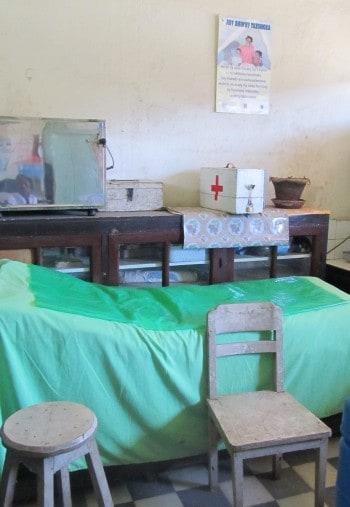 Včasih te v bolj odročnih delih sveta pričaka tudi taka bolniška soba