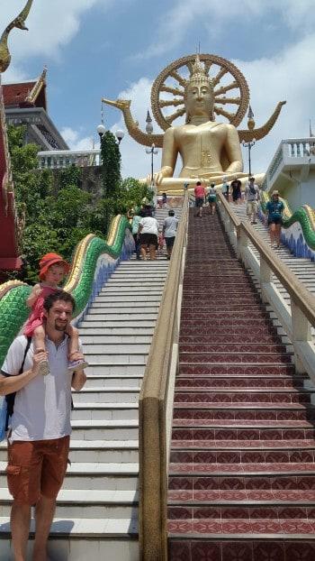Visoke stopnice do Velikega Bude.