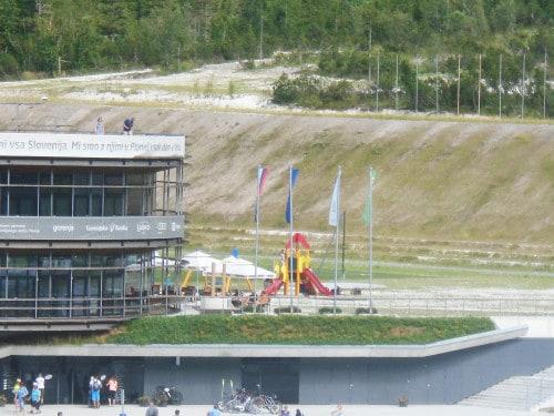 Ob Nordijskem centru v Planici boste našli tudi igrala