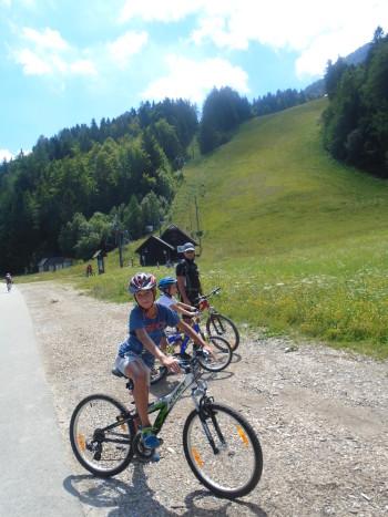 Urejena kolesarska steza vodi tudi mimo slovitega Vitranca