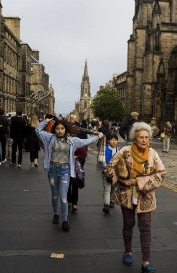 Poletni vrvež v Edinburghu, Škotska