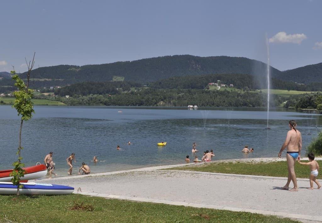 Jezero ponuja prav vse, tako da otroke kot za odrasle.