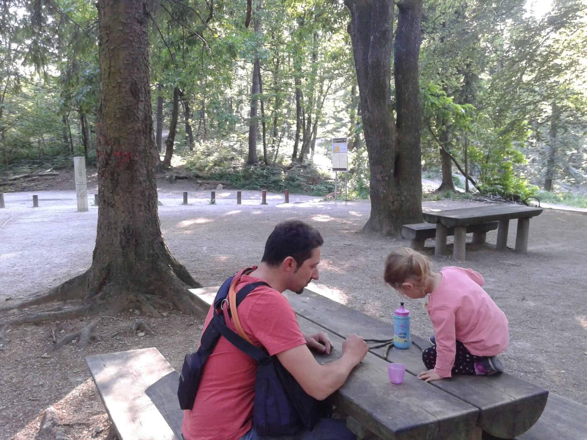 Vecje pocivalisce, kjer poteka tudi Pot spominov in prijateljstva (Golovec, Ljubljana)