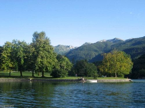 Bohinjko jezero iz čolna