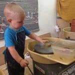 Igra v glini v Lončarskem ateljeju SEM