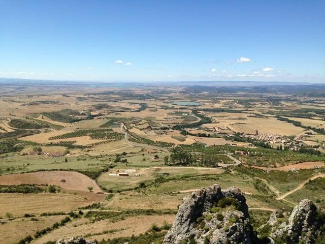 Pogled iz gradu Loarre na pokrajino Huesco (Aragon, Španija)