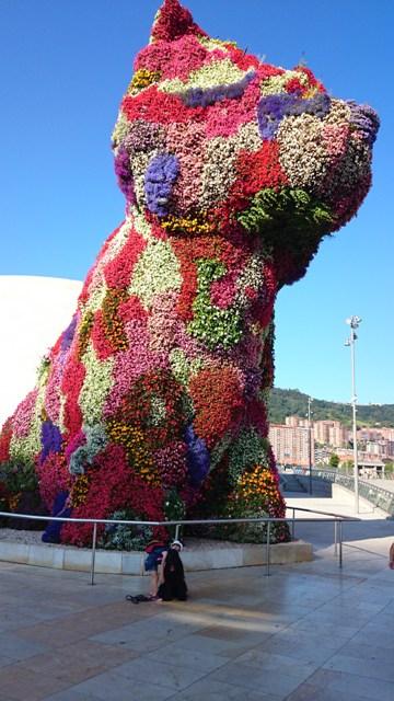 Cvetlični kuža, Bilbao (Baskija, Španija)