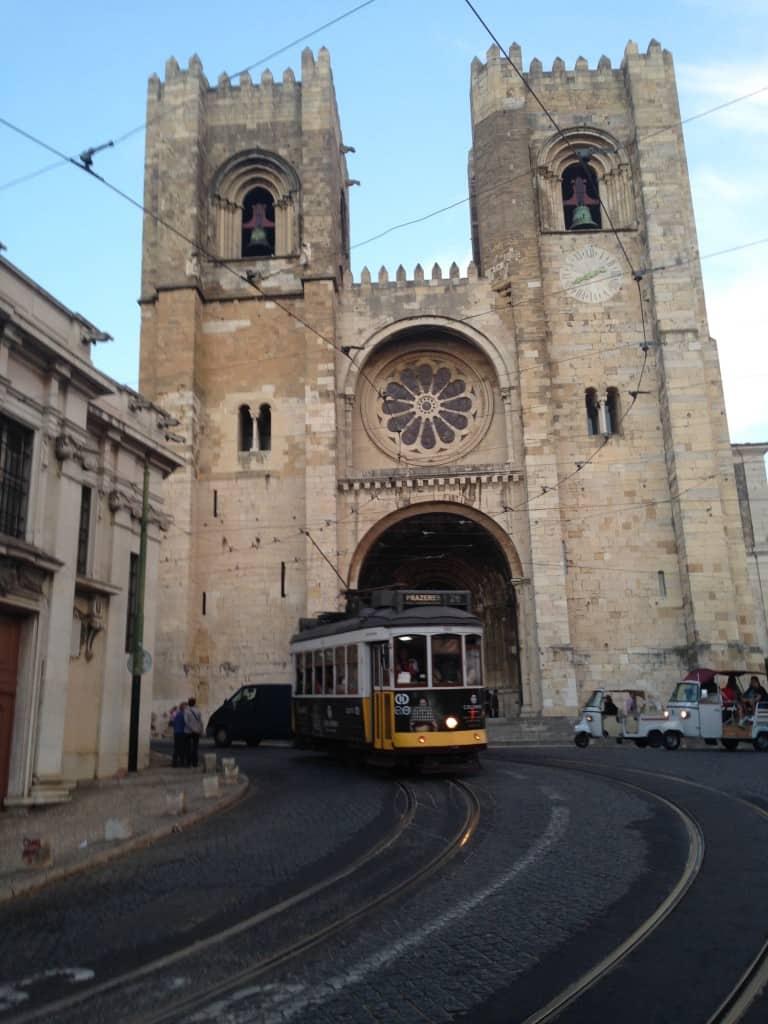 Tramvaj 28, Lizbona (Portugalska)