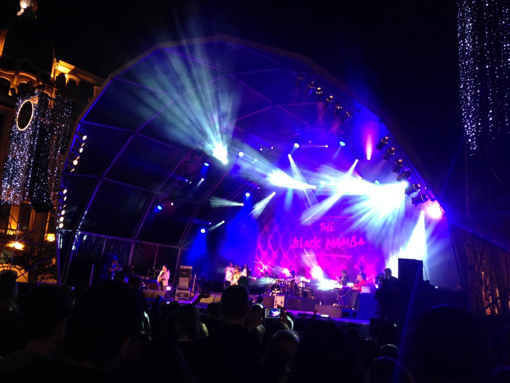 Koncert v središču Porta (Portugalska)