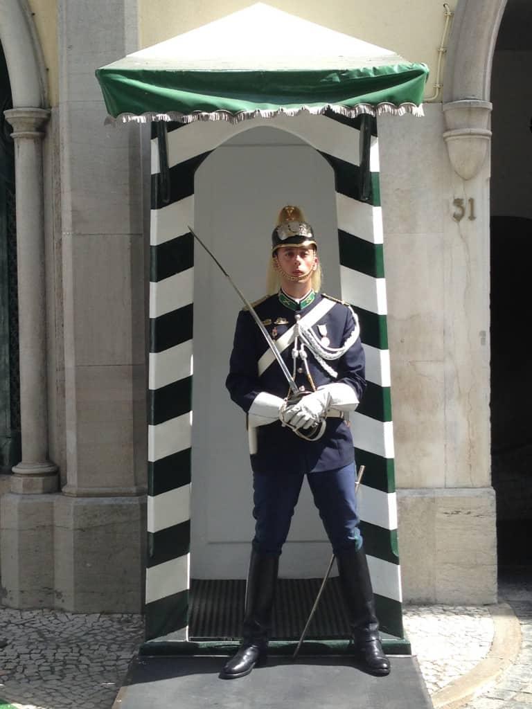 Vhod pred vojaškim muzejem, Lizbona (Portugalska)