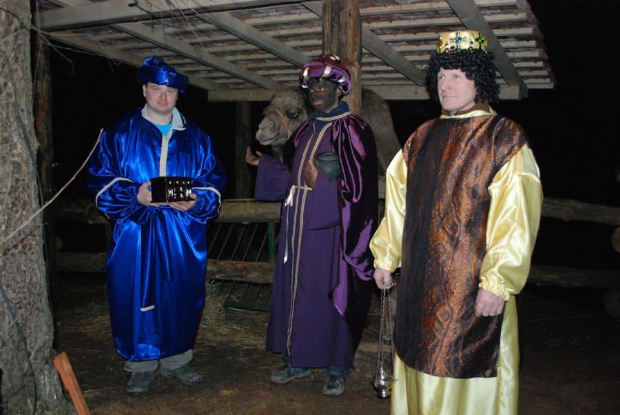 trije-kralji-s-kamelo