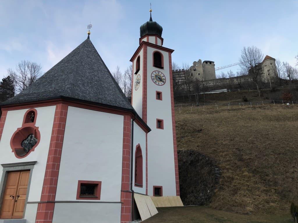 Pogled na grad Heinfels (Sillian, Avstrija)