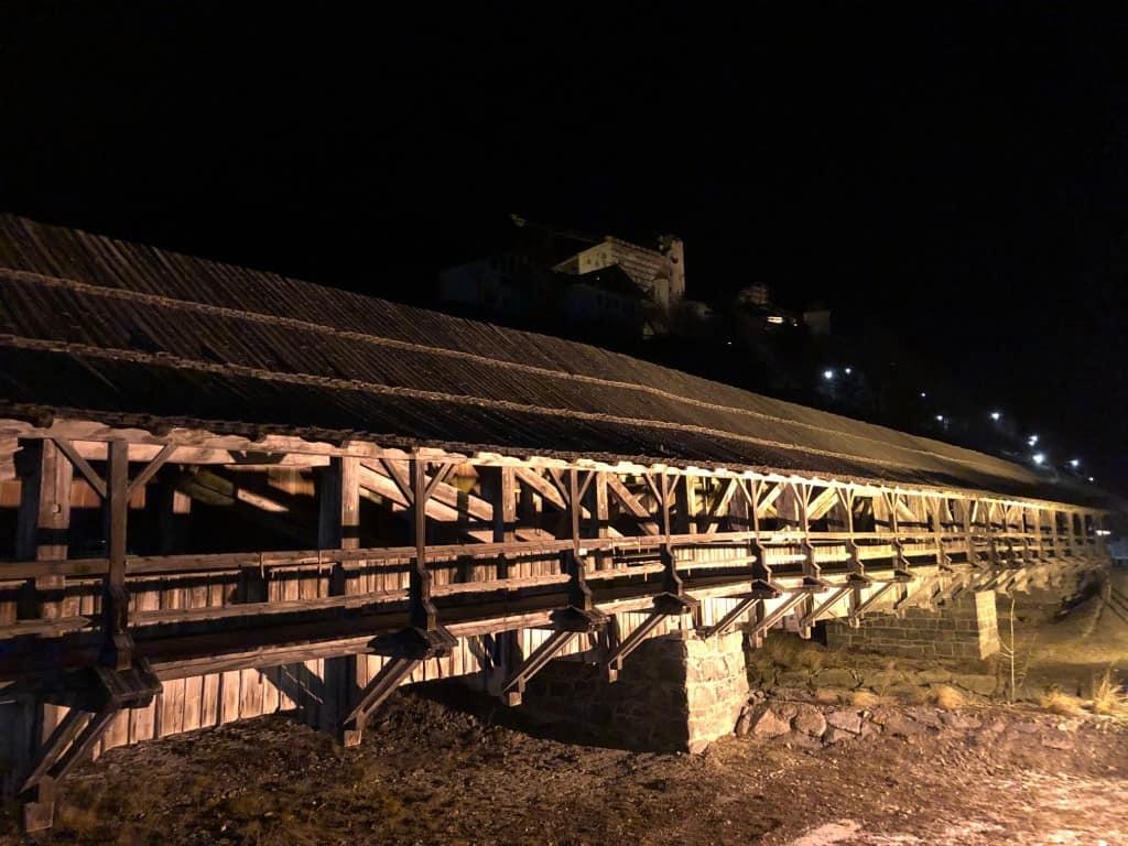 Eden lepših pokritih lesenih mostov v Avstriji (Sillian, Avstrija)
