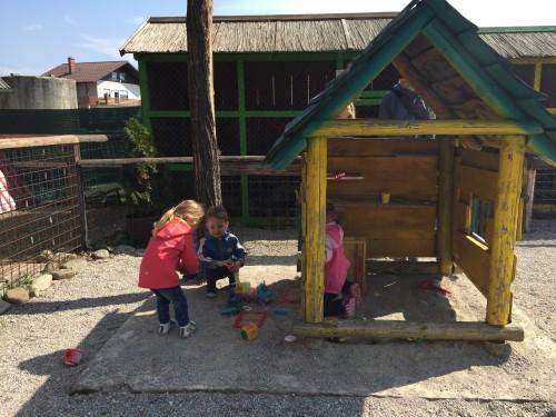 Na ranču je tudi manjše otroško igrišče, Šempeter