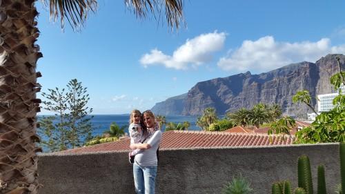 Klifi Los gigantes v ozadju (otok Tenerife, Kanarsko otočje, Španija)