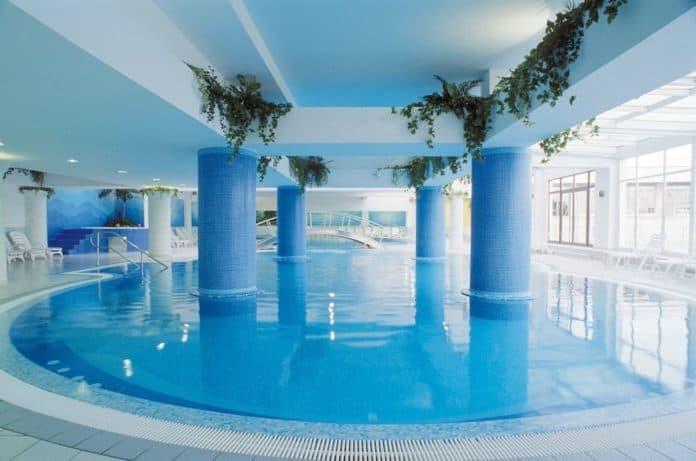 bazen-hotel-riviera