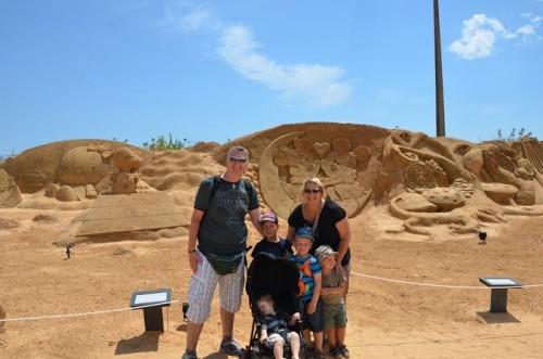 Družina na popotovanju po Portugalski