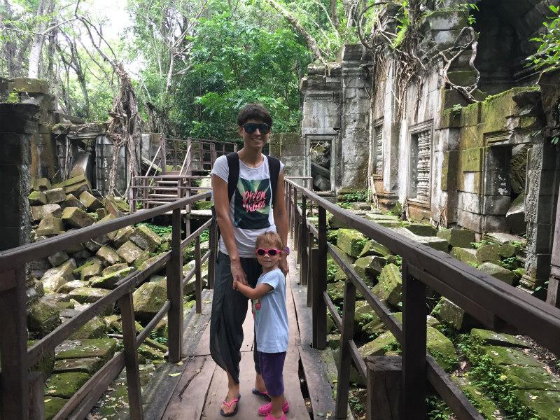 znotraj-beng-mealea-templja