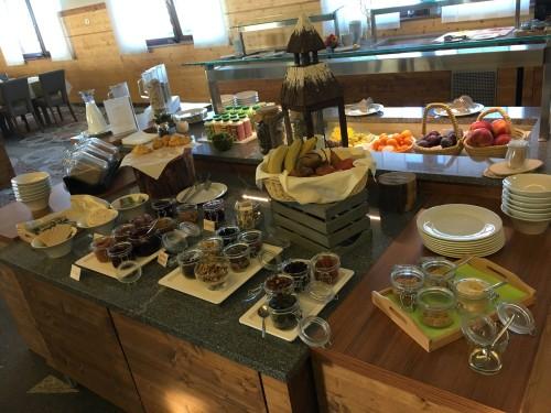 Bogat zajtrk v hotelu Natura na Rogli