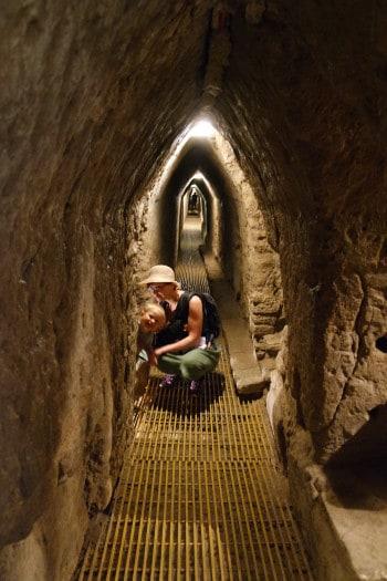Skrivanje v predorih - piramida v Cholula