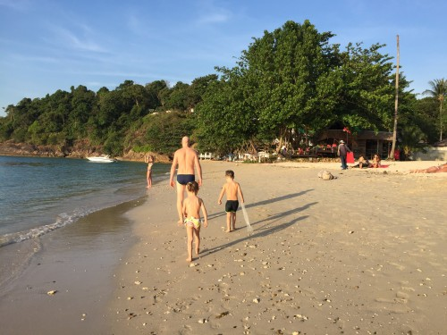 Plaža v bližini Chang Park resorta, Koh Chang, Tajska