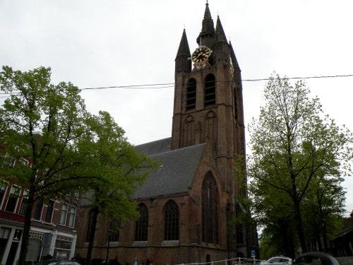Stara cerkev z zamaknjenim zvonikom, Nizozemska