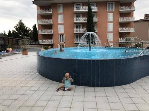 Bazen pred Socializing hotelom Mirna, LifeClass, Portorož