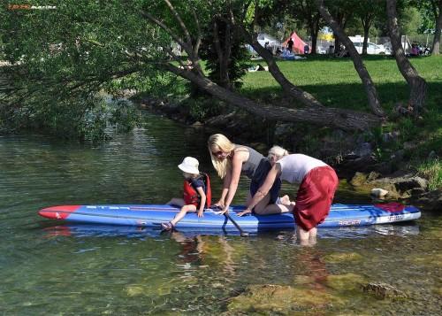 Nekaj pomoči in previdnosti, ko vstopamo s SUPom v vodo, Velenjsko jezero