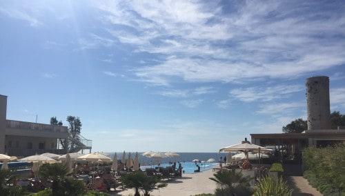 Bazen, s pogledom na morje, rezerviran samo za goste hotela otok sv. Nikole)