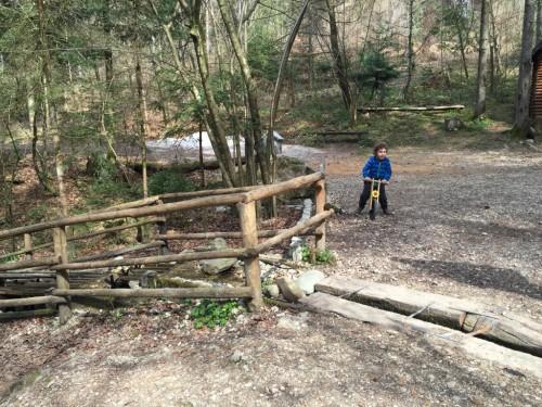 Pot do mlinčkov je odlična za mlade kolesarje ali poganjalčke, kolesarjenje z otroki