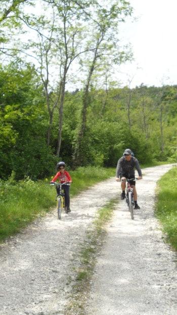 Pot je primerna tudi za najmlajše kolesarje, kolesarjenje z otroki