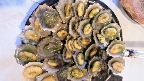 Tipična morska predjed - školjke s česnom (Madeira)