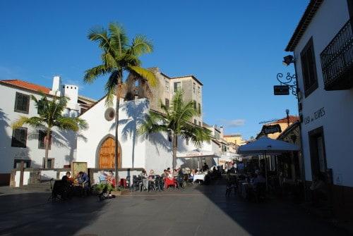 Stari del mesta je posejan z restavracijami in tipično Portugalsko glasbo - fado (Funchal, Madeira)