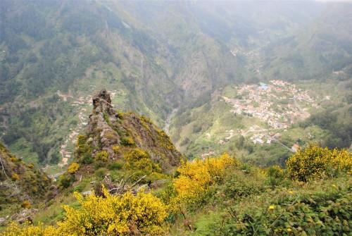 Razgled na nunsko dolin iz Eira do Serrado, Madeira
