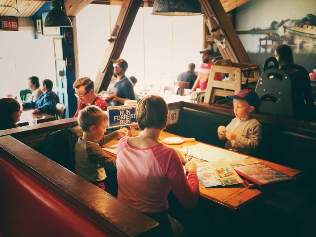 Bubby Gump restavracija (Potovanje z otroki po Kaliforniji)