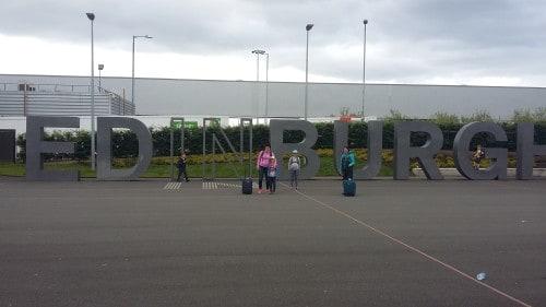 Prihod v Edinburg, Škotska