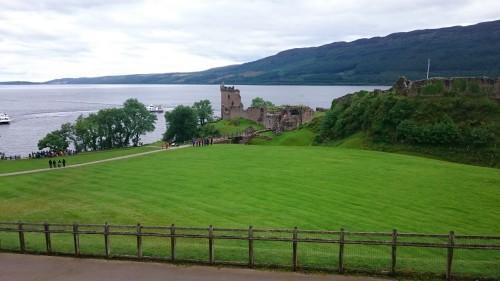 Grad Urquhart, Škotska z otroki