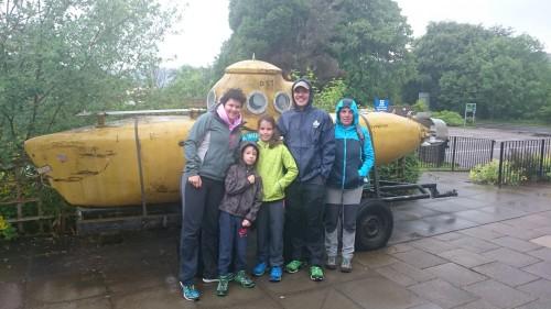 Podmornica za raziskovanje Lock Ness-a, Škotska z otroki