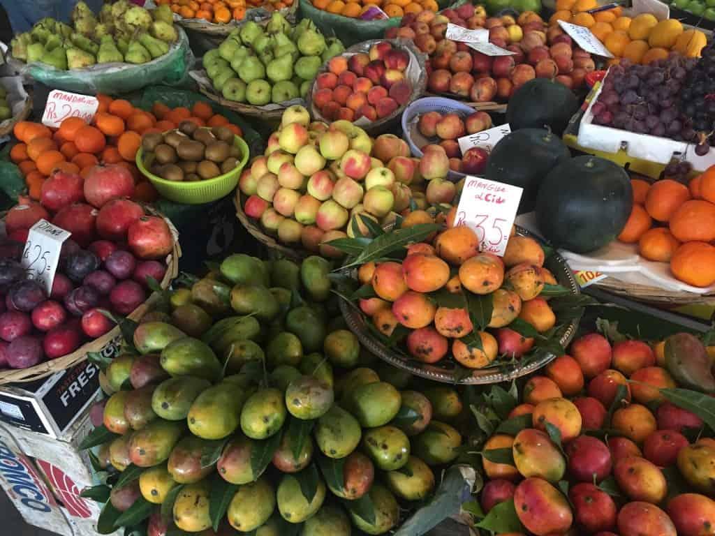 Bogat izbor sadja (rajski otoki družinsko)