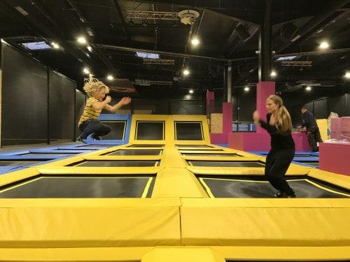 pri skakanju po trampolinu boste porabili ogromno energije (WOOP! Ljubljana)