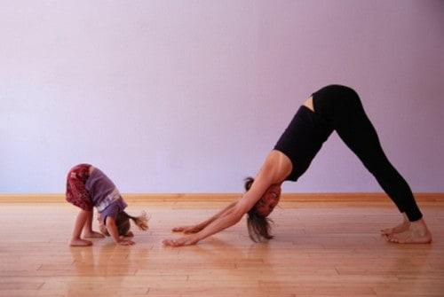 Športna vadba z otroki, top 3 aktivnosti za fit mame