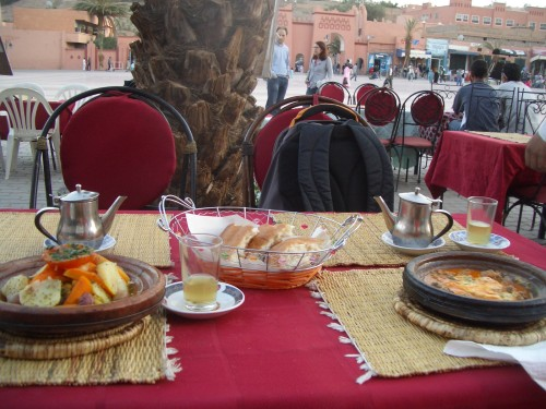 Tajin in metin čaj - popolna Maroška večerja