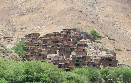 Pogled na berbersko vasico v Atlasu