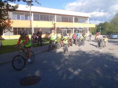 Kolesarski izlet OŠ Prestranek ob Evropskem tednu mobilnosti, september 2017, na pobudo programa Varno na kolesu