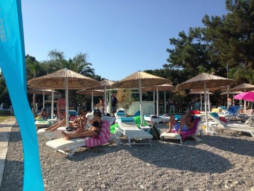Počasna a sproščena postrežba Grkov, top družinska destinacija