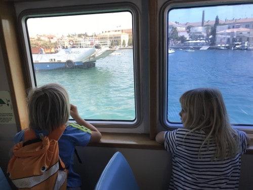 Potovanje z ladjico je lahko zabavno. Ali pa tudi ne?