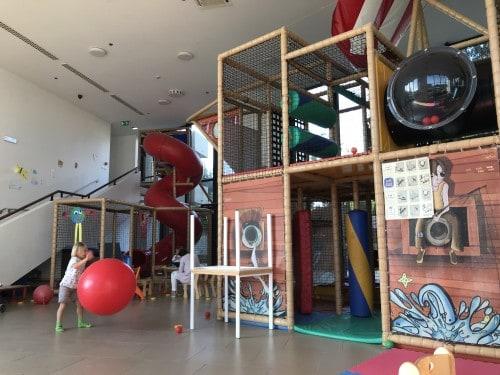 ogromna igralnica s toboganom in gusarsko ladjo (Hotel Istra, Crveni otok, Rovinj)