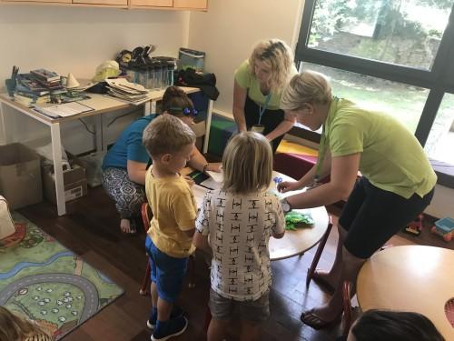 Izkušeni animatorji se maksimalno prilagodijo otrokom (kompasov družinski klub)