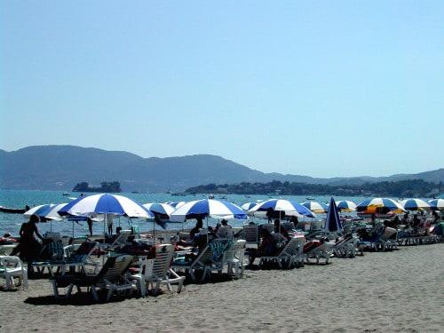 Najdaljša nepretrgana peščena plaža v Grčiji - Laganas, Zakintos